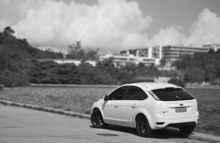 Ford Focus Hatch GLX 1.6 16V (Flex) - Foto #1