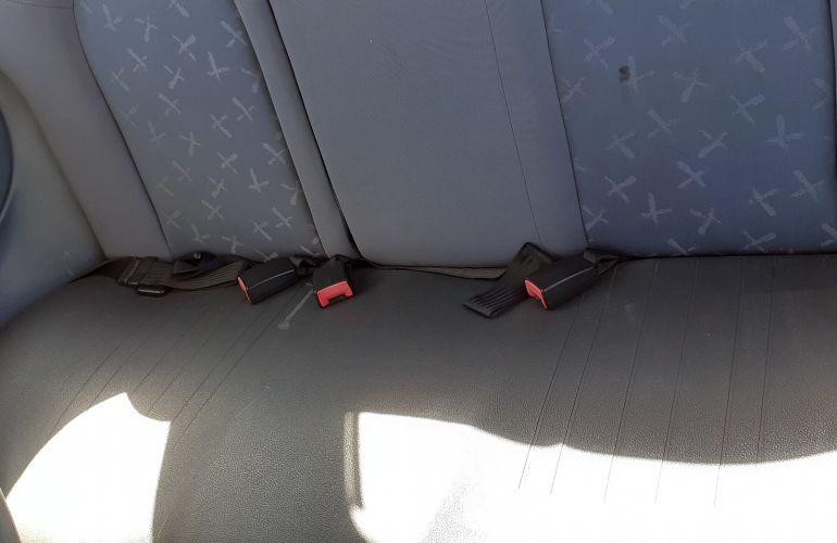 Ford Fiesta Hatch 1.0 MPi - Foto #8