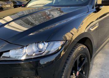 Jaguar F-Pace 2.0D Prestige 4WD - Foto #3