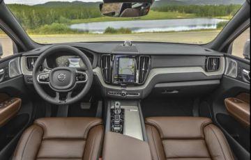 Volvo XC60 Hybrid Inscription  AWD Geartronic 2.0 T8 - Foto #3