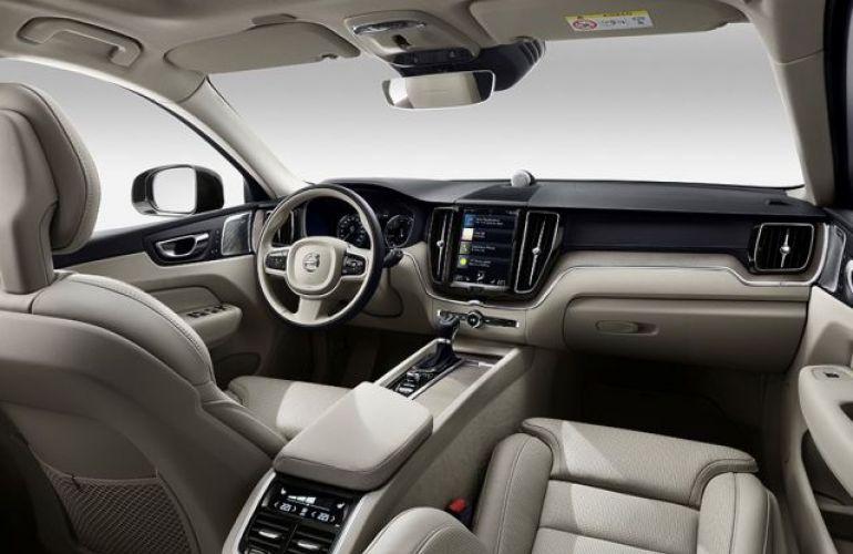 Volvo XC60 Hybrid Inscription  AWD Geartronic 2.0 T8 - Foto #4