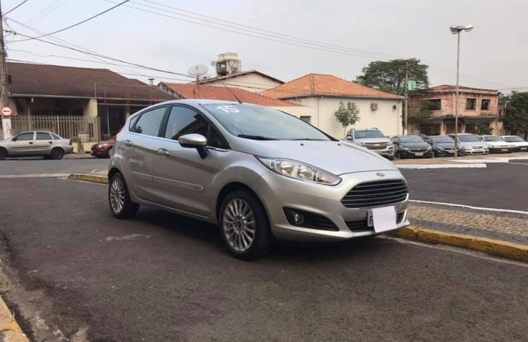 Ford New Fiesta Titanium 1.6 16V - Foto #2