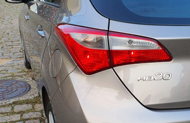 Hyundai HB20 1.0 Comfort Style - Foto #5