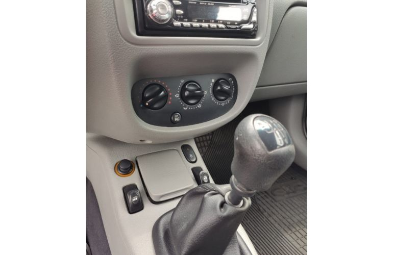 Renault Clio Hatch. Expression 1.6 16V (flex) - Foto #10