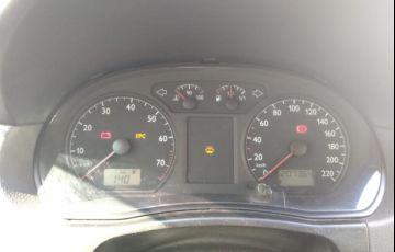 Volkswagen Polo Sedan Comfortline 1.6 8V (Flex) - Foto #2