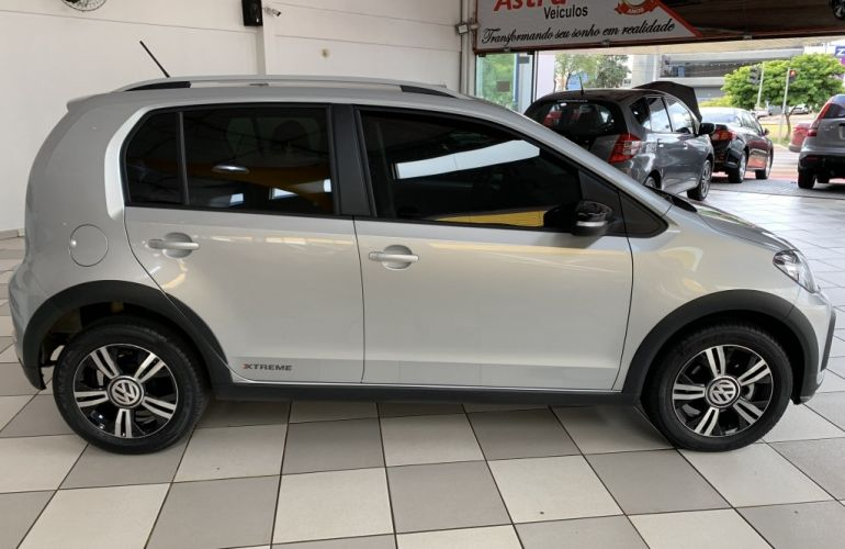 Volkswagen up! 1.0 TSI Xtreme - Foto #8