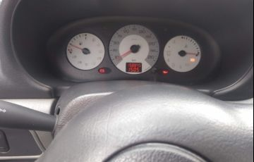 Renault Clio Hatch. Authentique 1.0 8V 4p
