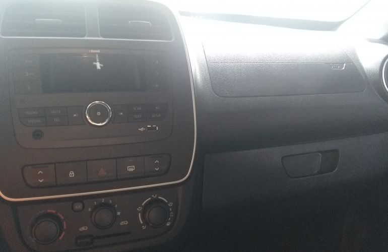 Renault Kwid Zen 1.0 12v SCe (Flex) - Foto #5