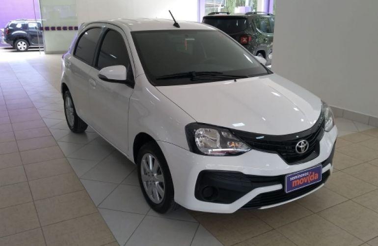 Toyota Etios X Plus 1.5 (Flex) - Foto #1