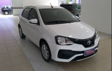 Toyota Etios X Plus 1.5 (Flex)