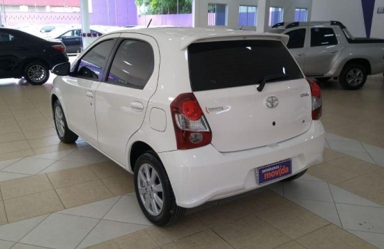 Toyota Etios X Plus 1.5 (Flex) - Foto #2