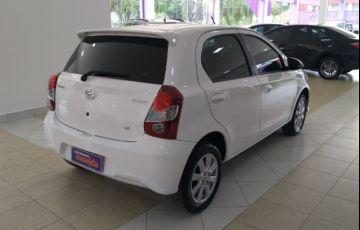 Toyota Etios X Plus 1.5 (Flex) - Foto #3