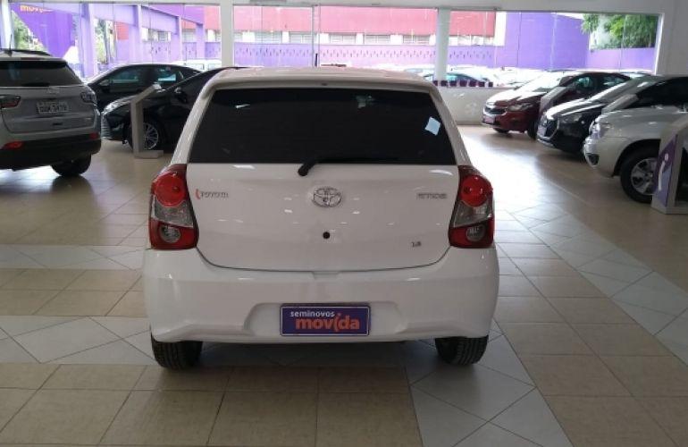 Toyota Etios X Plus 1.5 (Flex) - Foto #7