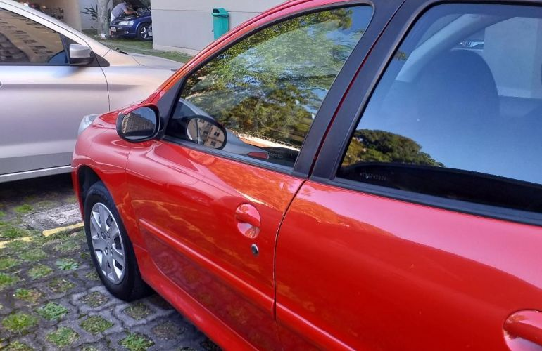Peugeot 207 Hatch Active 1.4 (Flex) - Foto #2