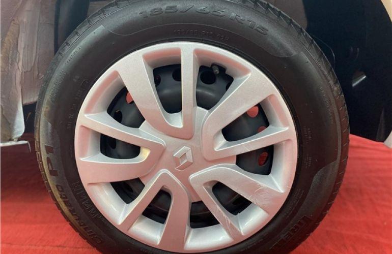 Renault Logan 1.6 Expression 8V Flex 4p Manual - Foto #6