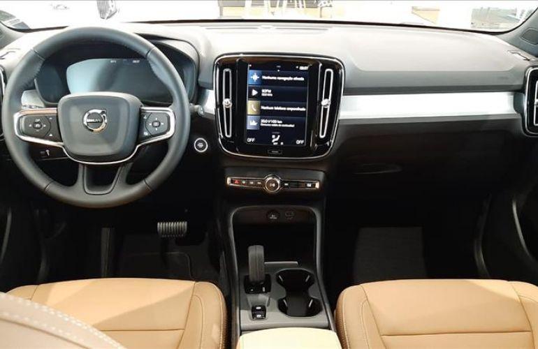 Volvo XC40 2.0 T4 Momentum AWD Geartronic - Foto #7