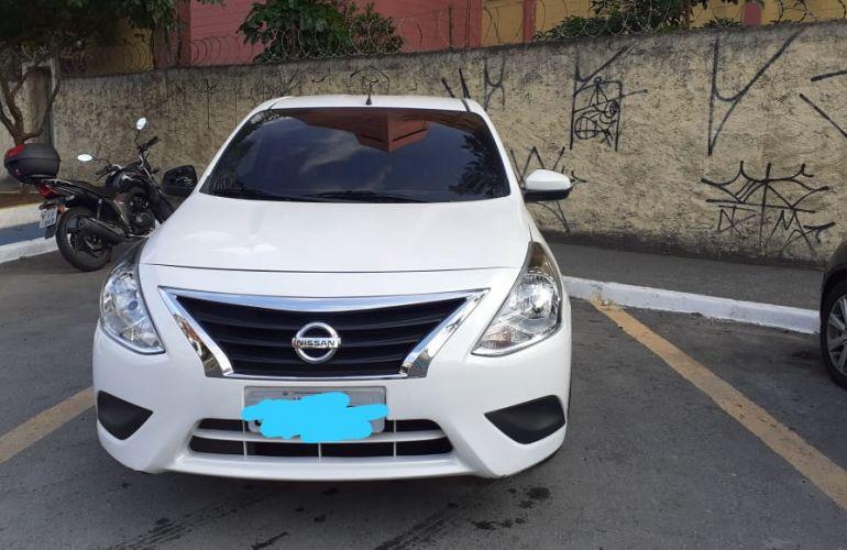 Nissan Versa 1.0 Conforto (Flex) - Foto #1