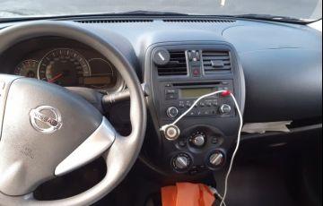 Nissan Versa 1.0 Conforto (Flex) - Foto #7