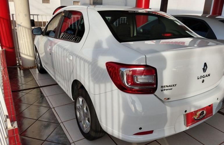 Renault Logan Expression 1.0 12V SCe (Flex) - Foto #6