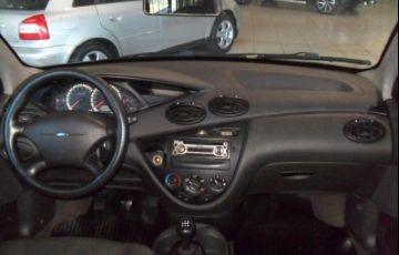 Ford Focus 1.6 8V - Foto #6