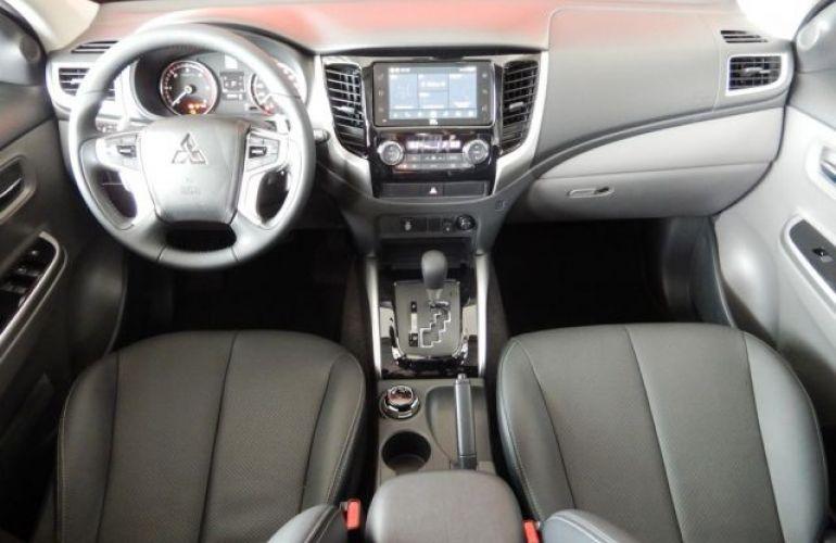 Mitsubishi L200 Sport HPE Top 4X4 Cabine Dupla 2.4 Turbo Diesel 16V - Foto #7