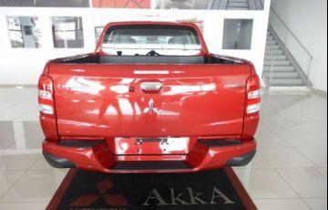 Mitsubishi L200 Triton Sport HPE Top 4WD 2.4 TD - Foto #4