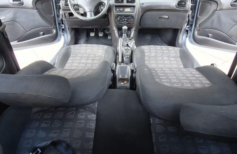 Peugeot 206 Hatch. Presence 1.4 8V (flex) 2p - Foto #6