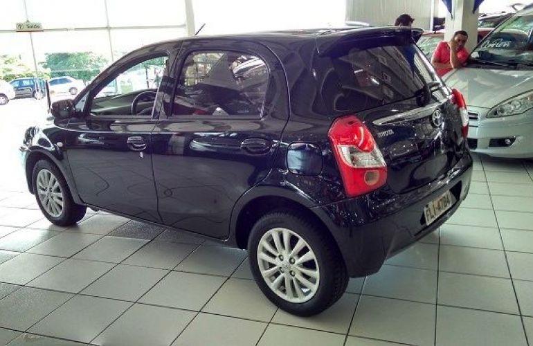 Toyota Etios XLS 1.5 16V Flex - Foto #6