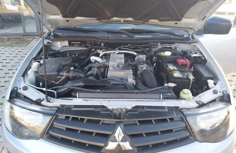 Mitsubishi L200 GLX Triton 4X4 Cabine Dupla 3.2 Turbo Intercooler 16V - Foto #9
