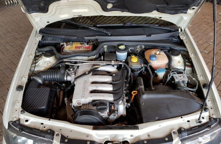 Volkswagen Gol GTI 2.0 16V - Foto #10