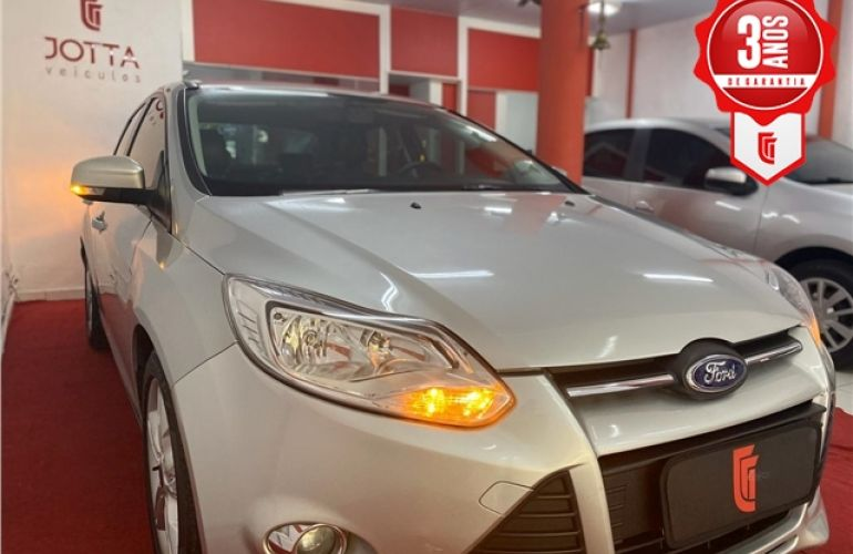 Ford Focus 2.0 SE Plus Sedan 16V Flex 4p Automático - Foto #3
