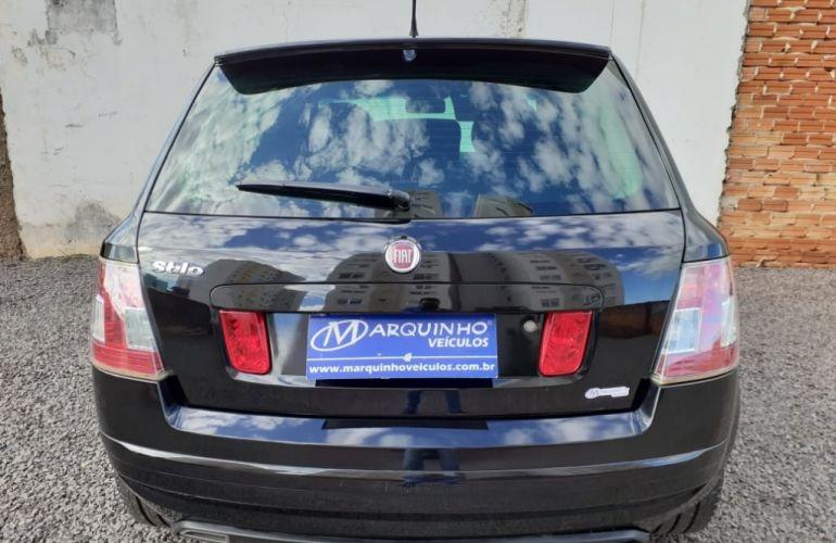 Fiat Stilo Blackmotion 1.8 8V Dualogic (Flex) - Foto #4