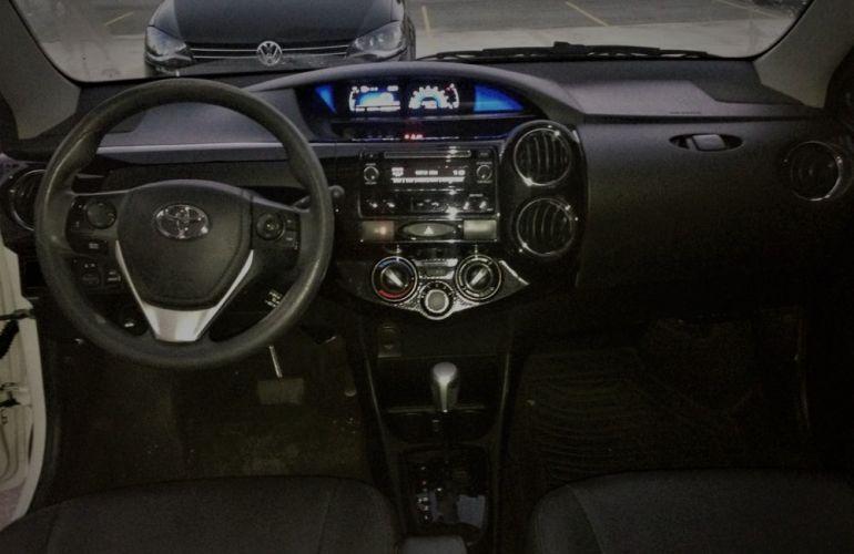 Toyota Etios Sedan XS 1.5 (Flex) (Aut) - Foto #5
