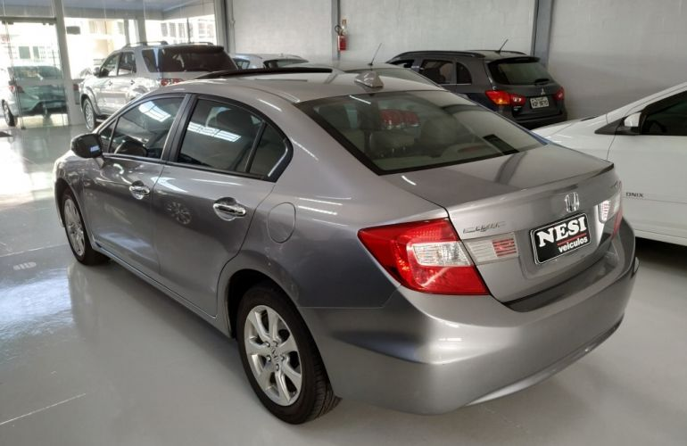 Honda New Civic EXS 1.8 16V (Aut) (Flex) - Foto #4