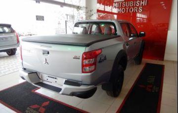 Mitsubishi L200 Triton Sport GLX 2.4 - Foto #6