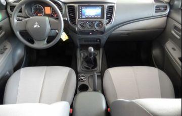 Mitsubishi L200 Triton Sport GLX 2.4 - Foto #8