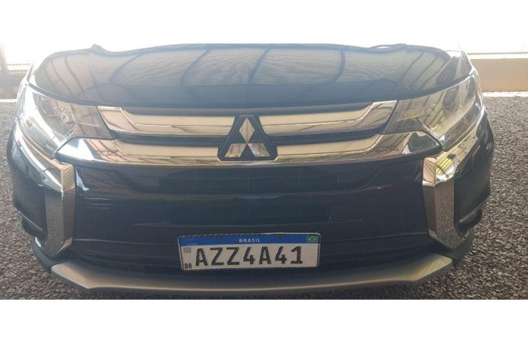 Mitsubishi Outlander 2.2 DI-D 4WD (Aut) - Foto #1