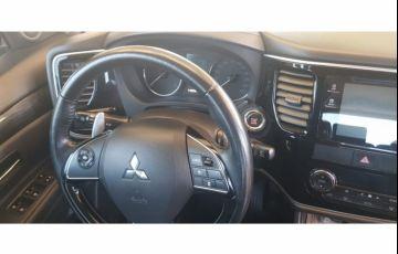 Mitsubishi Outlander 2.2 DI-D 4WD (Aut) - Foto #6
