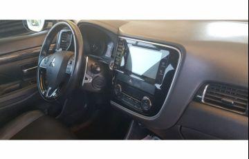 Mitsubishi Outlander 2.2 DI-D 4WD (Aut) - Foto #9