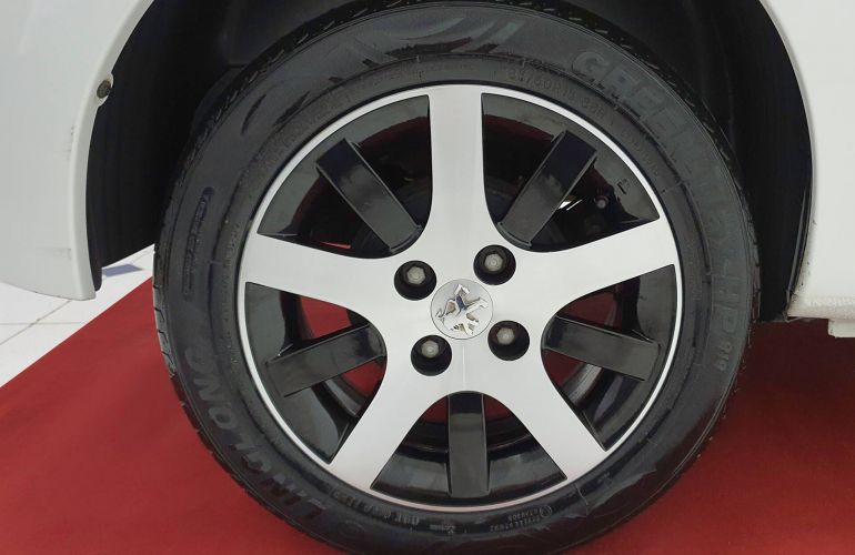 Peugeot 207 Hatch Quicksilver 1.6 (flex) - Foto #5