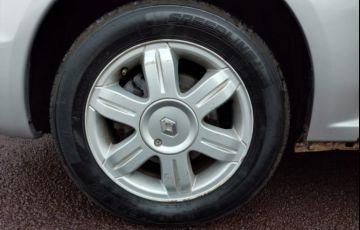 Renault Logan Expression 1.6 16V (Flex) (aut) - Foto #3