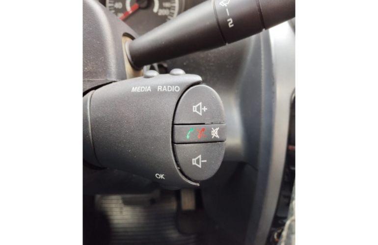 Renault Logan Expression 1.6 16V (Flex) (aut) - Foto #6