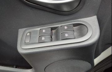 Renault Logan Expression 1.6 16V (Flex) (aut) - Foto #9