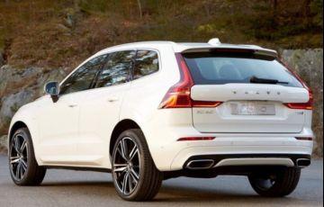 Volvo XC60 R-Design 2.0 T8 - Foto #2
