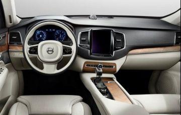Volvo XC60 R-Design 2.0 T8 - Foto #3