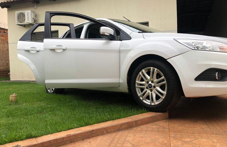 Ford Focus Sedan GLX 2.0 16V (Flex) - Foto #2