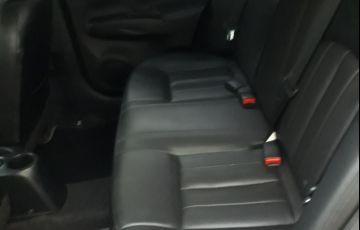 Nissan Versa 1.6 16V Unique CVT (Flex) - Foto #3