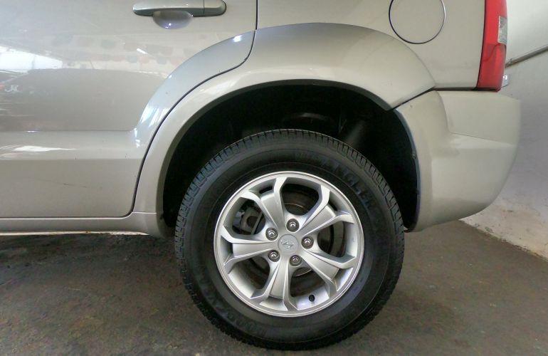 Hyundai Tucson GLS 2.7 V6 24V 4WD (aut.) - Foto #2