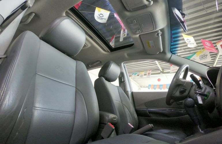 Hyundai Tucson GLS 2.7 V6 24V 4WD (aut.) - Foto #3