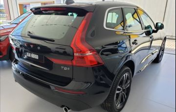 Volvo XC60 2.0 T8 Hybrid Momentum AWD Geartronic - Foto #3